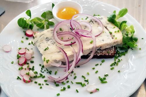 Gorgonzola med rå æggeblomme